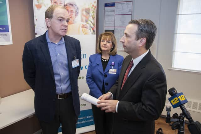 Syd Kain of Ridgefield meets with Sen. Bob Duff (D-Norwalk) to discuss the InvestCT program