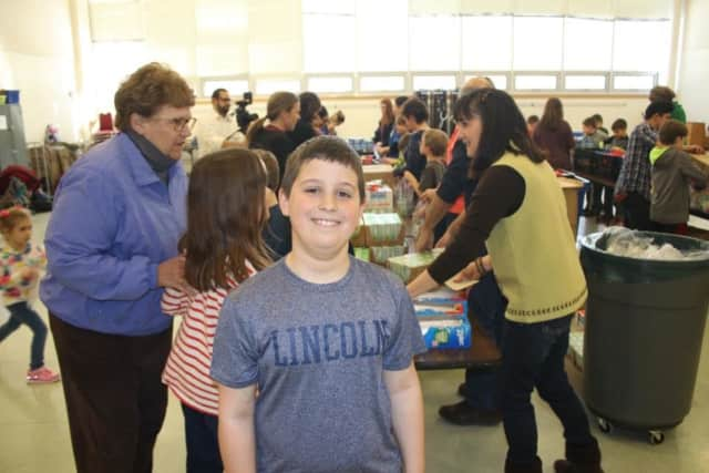 Jake Scoropanos of Wyckoff enlisted the community to help him assemble snack packs for kids facing hunger.