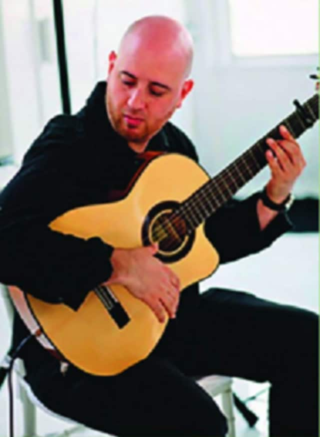 Classical Spanish guitarist Jason Hochman will perform at the Mount Vernon Public Library on Wednesday.