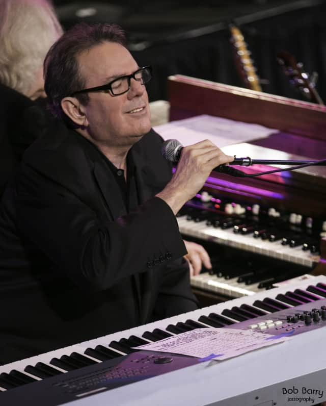 Jimmy Webb (pictured) and Karla Bonoff will perform Nov. 21 at the Ridgefield Playhouse.