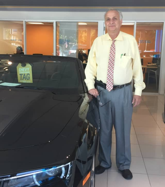 John Dingertopadre brings 30 years of automotive experience to Hawthorne Chevy dealership.