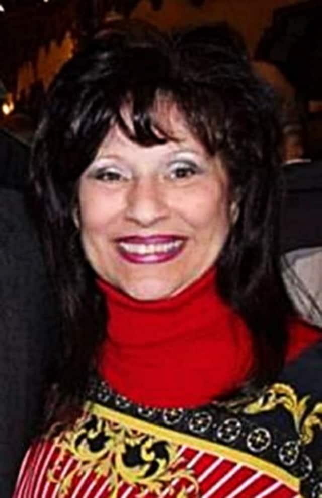 Julie May Moltz