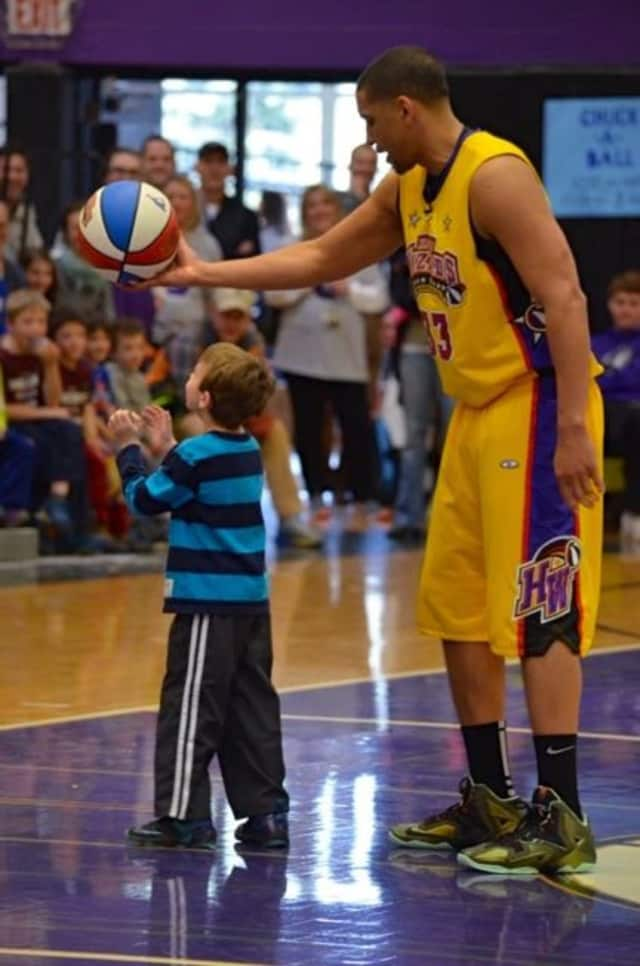 The Harlem Wizards, at a John Jay Sports Boosters fundraiser, will play in Somers May 20.