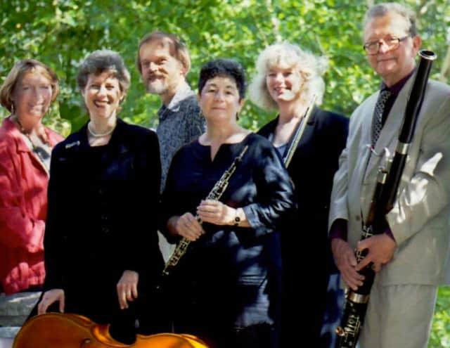 L to R: Patricia Dougherty, bass; Daryl Goldberg, cello; Edward Brewer, harpsichord; Marsha Heller, oboe; Theresa Norris, flute; and William J. Scribner, bassoon.