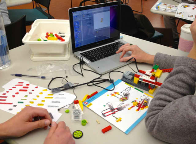 Students will work in teams to create interactive machines using Lego WeDo kits and Scratch software at the C.H. Booth Library.