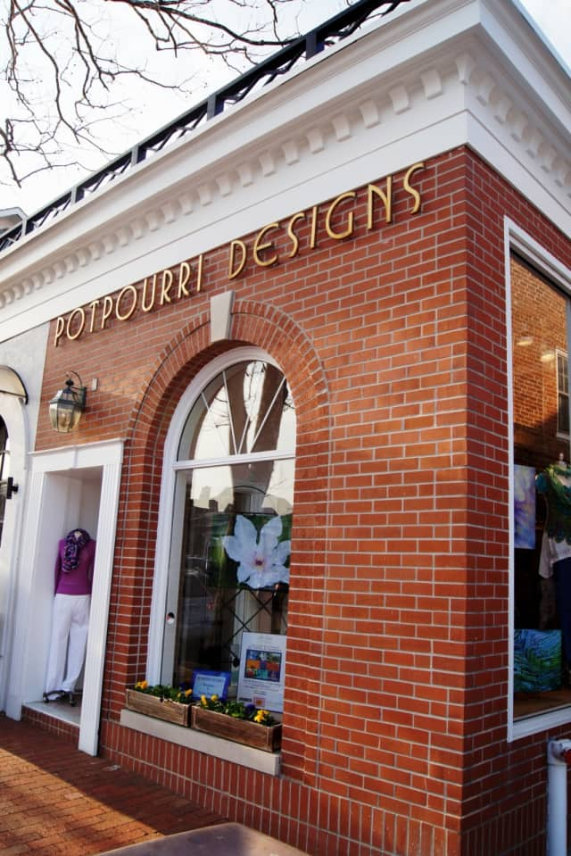 The one-day art and fashion shopping spree will be March 31 at Lyn Evans Potpourri Designs.