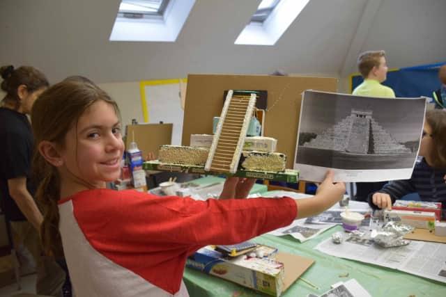 Students build Meso-American building replicas