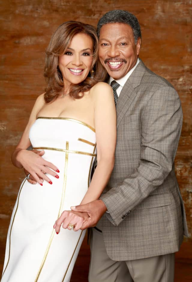 Marilyn McCoo and Billy Davis Jr. will play the Ridgefield Playhouse Saturday.