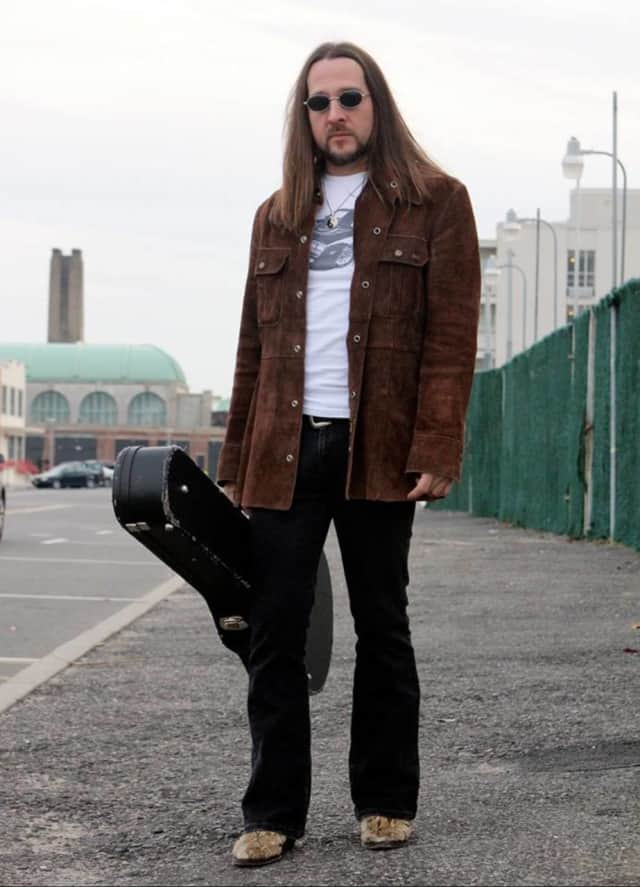 Matt O'Ree will perform blues-rock at a free concert May 21 at Westfield Garden State Plaza on the second level near Macy's and Yo! Sushi.