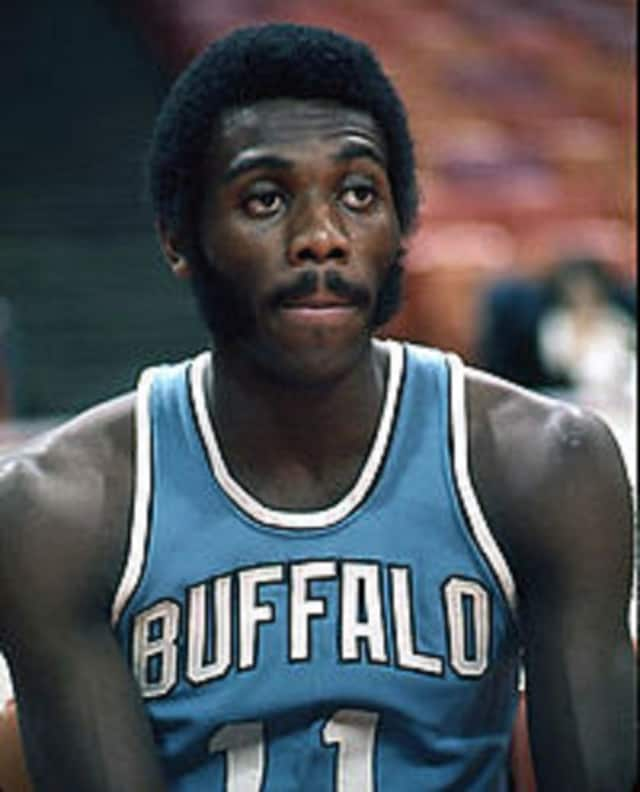 Former Ramsey resident Bob McAdoo in 1973 with the Buffalo Braves.