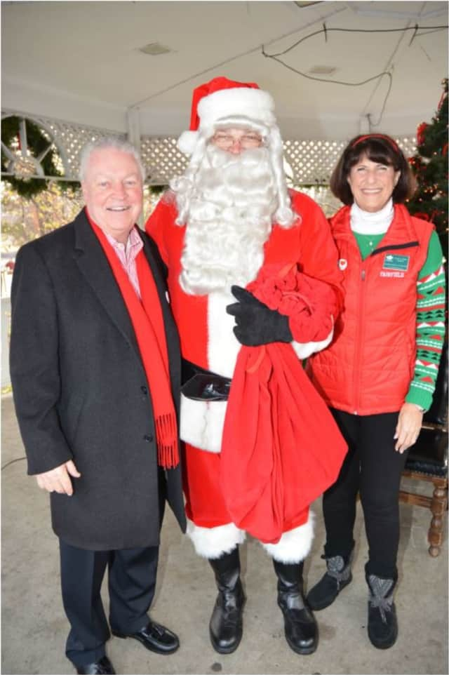 Fairfield First Selectman Mike Tetreau and Chamber of Commerce President Beverly Balaz welcomed Santa Claus to Fairfield in 2016.