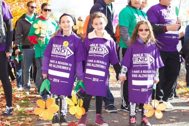 Three youngsters head out for the 2014 Walk to End Alzheimer's.