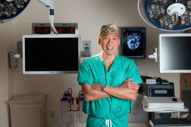 Dr. Har Chi Lau of Hudson Valley Surgical Group, Minimally Invasive Center in Sleepy Hollow.