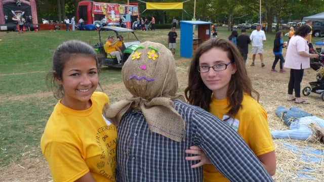 A Scarecrow building event to benefit the Ringwood Food Pantry will be held on Oct. 18.