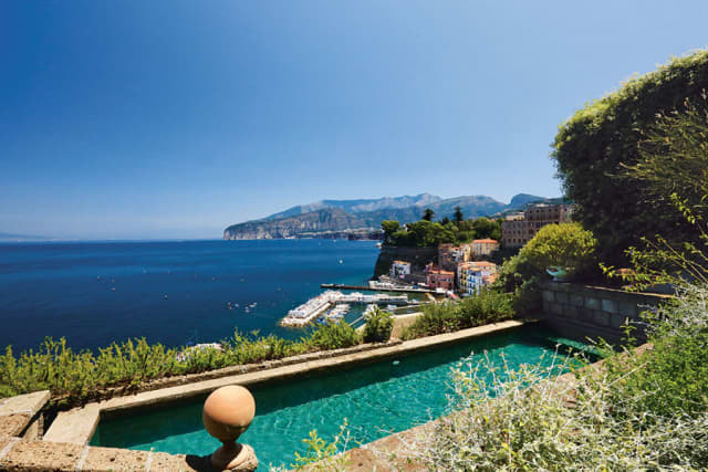 La Minervetta on the Amalfi Coast is the most stylish address in Sorrento. © 2019 Herbert Ypma