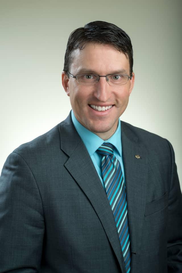 Phillip J. Bronzi, of Mahopac Bank, was among the 30 graduating members of the 2016 Leadership Dutchess class.