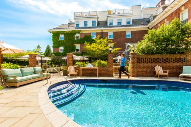 Outdoor pool at Grace Vanderbilt. Courtesy Grace Hotels.