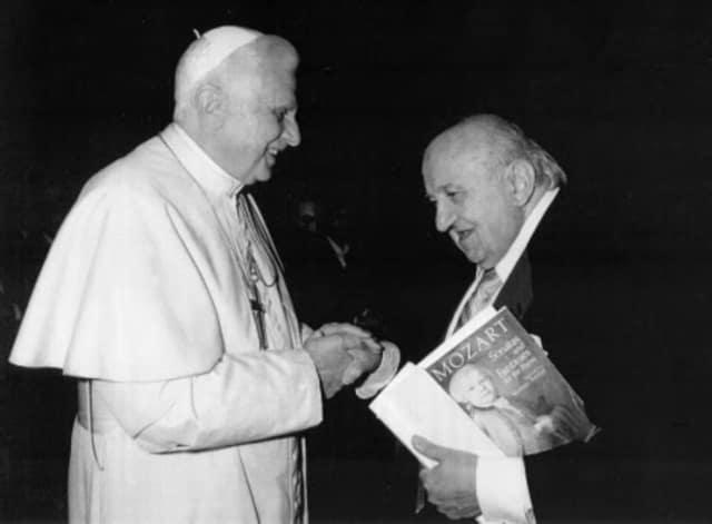Pope Benedict XVI and Professor Pierluigi Sampietro.