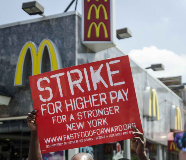 New Yorkers support raising the minimum wage by a wide margin.