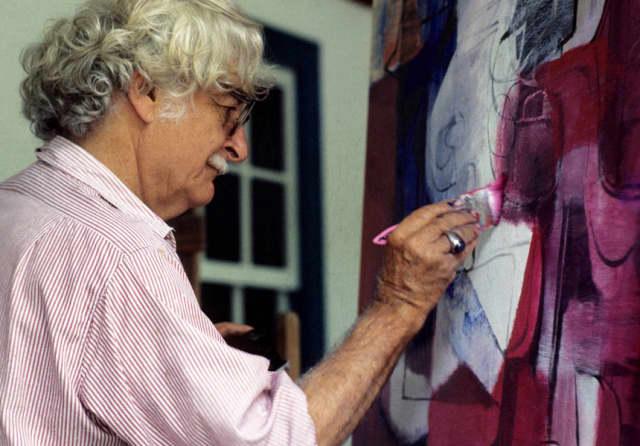 Roberto Burle Marx painting at home. Photograph by Ayrton Camargo/Tyba.
