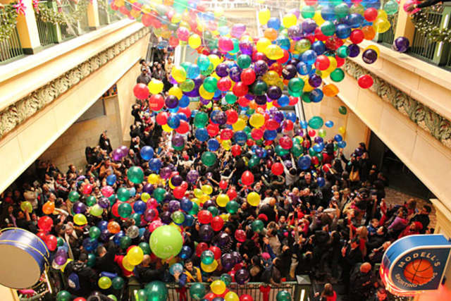New Roc City is again holding its annual Ring in the New Year event, with a balloon drop of over 3,000 balloons.