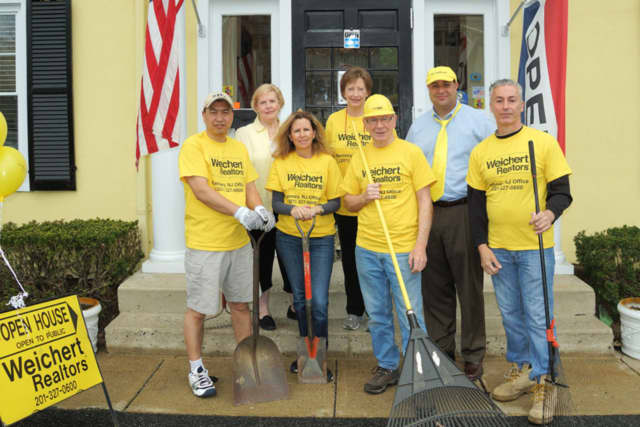 Weichert, Realtors' Ramsey sales office participated in Ramsey Environmental Commission's recent clean-up. Shown are Walter Xie, Barbara Duff, Lou Clements, Curt Benedetto Back Row: Helen Bultmeyer, Virginia Kunz and Adam Rhein.