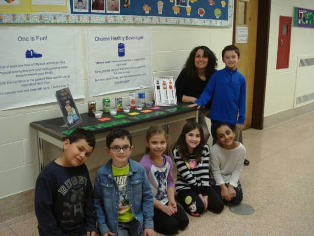 """Parkway Elementary School students learned to """"rethink their drinks."""""""