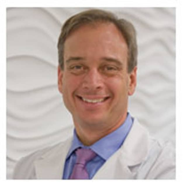 Dr. Robert Weiss of CT ENT Sinus and Allergy is the first doctor in Connecticut to use the Balloon Sinus Dilation procedure.