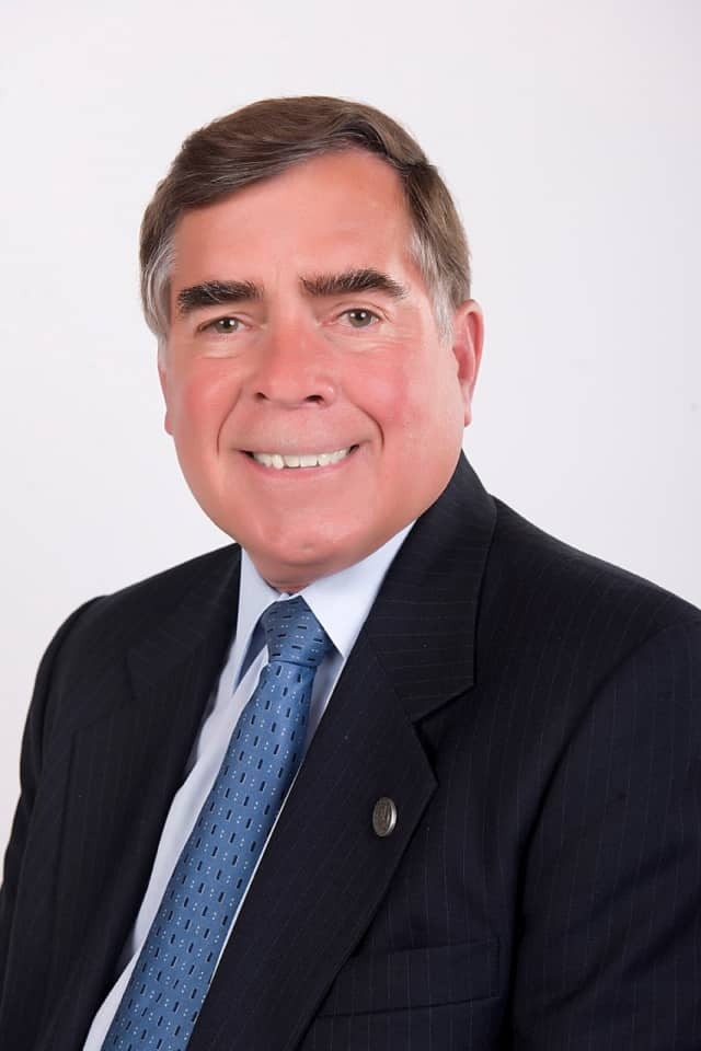 Council President John Roth has announced that he will run for mayor of Mahwah.