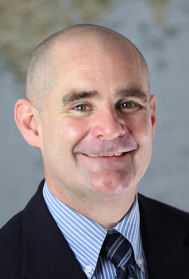 John Reynolds will leave Norwalk's Jefferson Magnet School to take over as headmaster at the Pear Tree Point School in Darien.