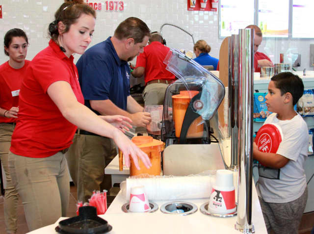 Smoothie King opened its 900th location Wappingers Falls Monday.