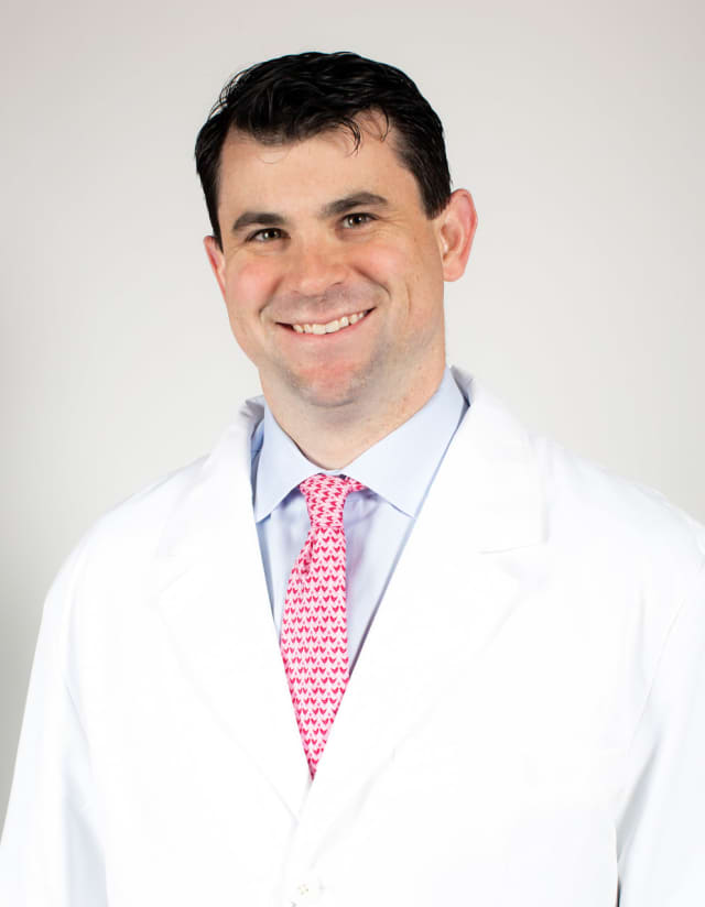 Dr. Samuel Taylor is a sports medicine surgeon at HSS.