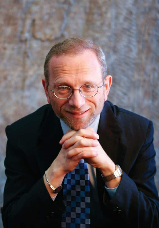 """Historian Jonathan D. Sarna will share the research and insights presented in his book """"Lincoln and the Jews"""" on Sunday at 4 p.m. at The Conservative Synagogue in Westport."""