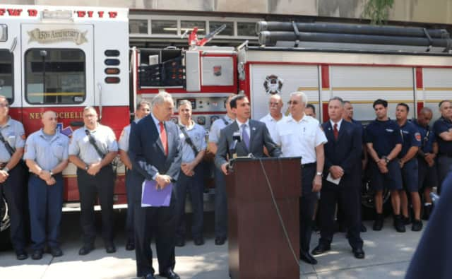 Senator Chuck Schumer, Mayor Noam Bramson, Fire Chief Lou DiMeglio, UFFA President Pete Miley, and many of New Rochelle's bravest.