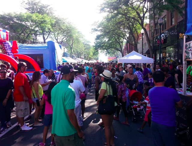 The New Rochelle Street fair will be held this Sunday from 11-5. This year's fair will host over 100 vendors, offer food trucks, and live entertainment.
