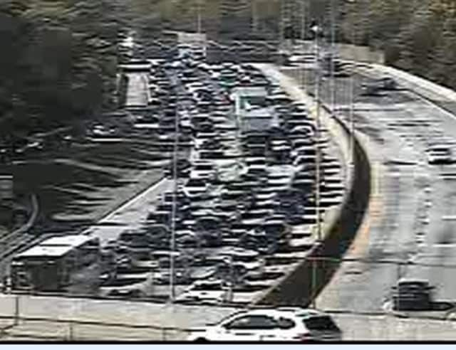 A look at delays on I-95 near Boston Post Road in Rye after the Sunday morning accident.