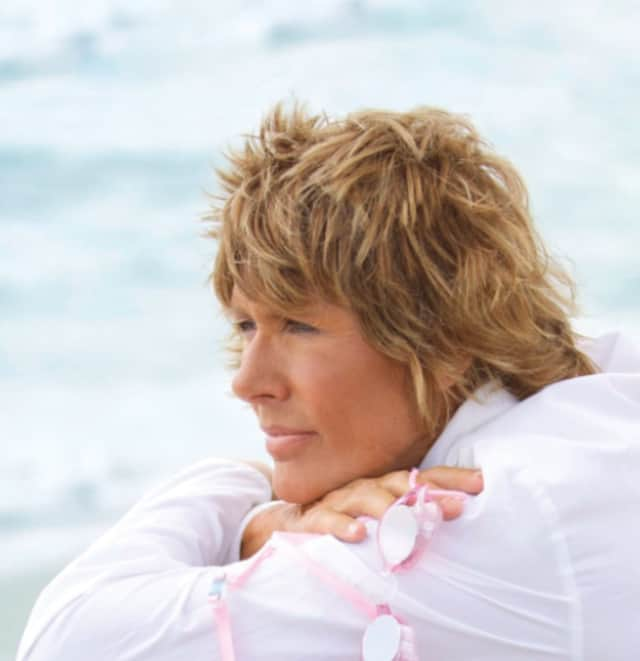 Long distance swimmer Diana Nyad to speak at Wilton Library on Oct. 20.