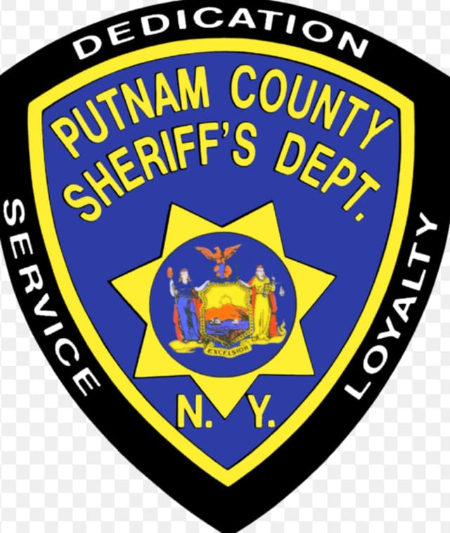 A Putnam County sheriff's deputy arrested a Kent man on a charge of violating an order of protection.
