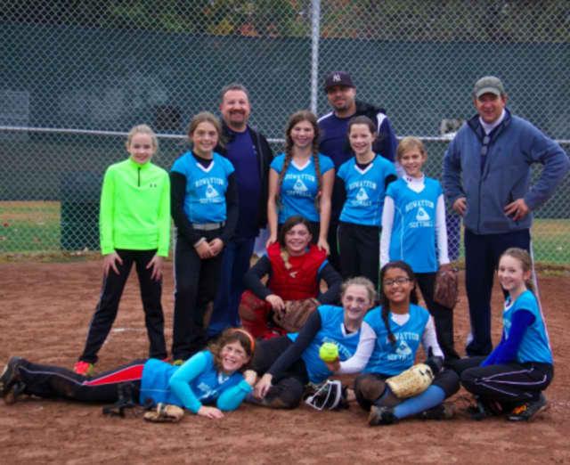 Rowayton's 12U fall softball team