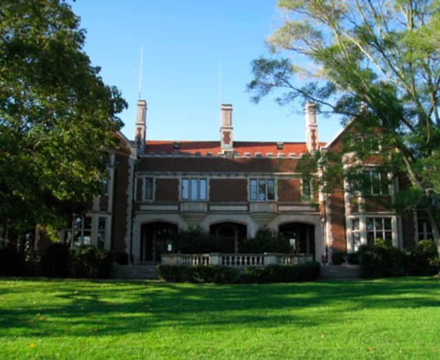 New Canaan Selectmen recently approved more than $120,000 for a new roof for the Waveny House.