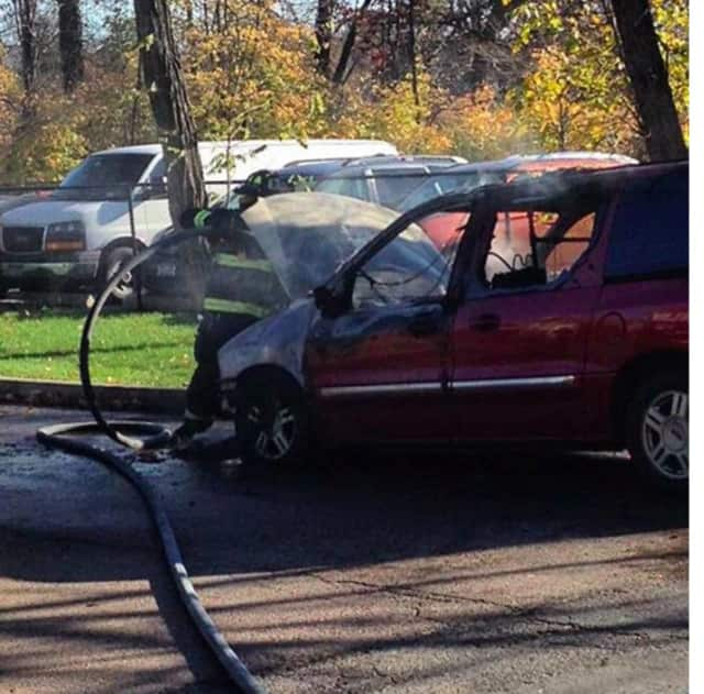 Mamaroneck volunteer firefighters extinguised a car fire on Monday afternoon.