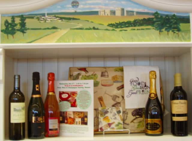 """New Canaan's Goldenberry is hosting a """"Festive Food & Wine Tasting"""" Dec. 2."""