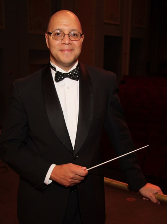 New Haven Symphony Orchestra Pops conductor Chelsea Tipton