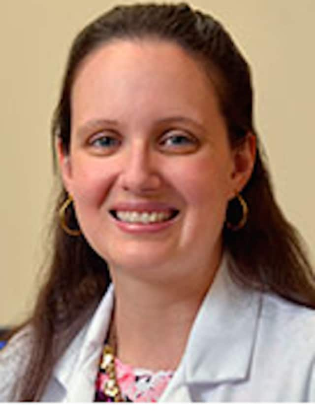 Dr. Erin Manning works at the Hospital for Special Surgery Outpatient Center in Stamford.