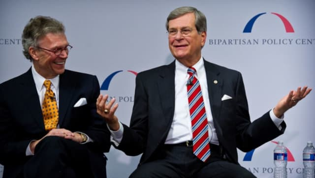 Trent Lott, right, and Tom Daschle will be featured in a livestream political discussion at The Palace on Wednesday in Stamford.