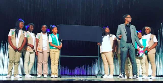 Chris Rock raises funds for his daughter's Alpine Girl Scout troop at the Oscars on Sunday night.