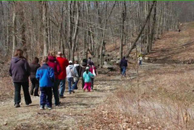 The Trumbull Nature & Arts Center will host a geocaching adventure.