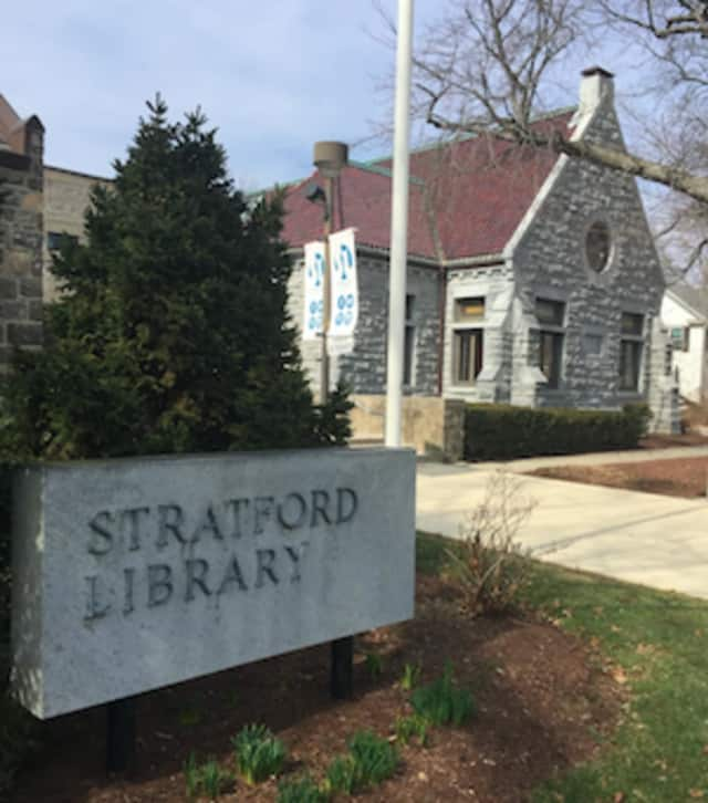 The Stratford Library will offer computer courses for beginners in May and June.