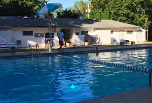 The Norwood Swim Club is seeking volunteers for its Fourth of July fundraiser.