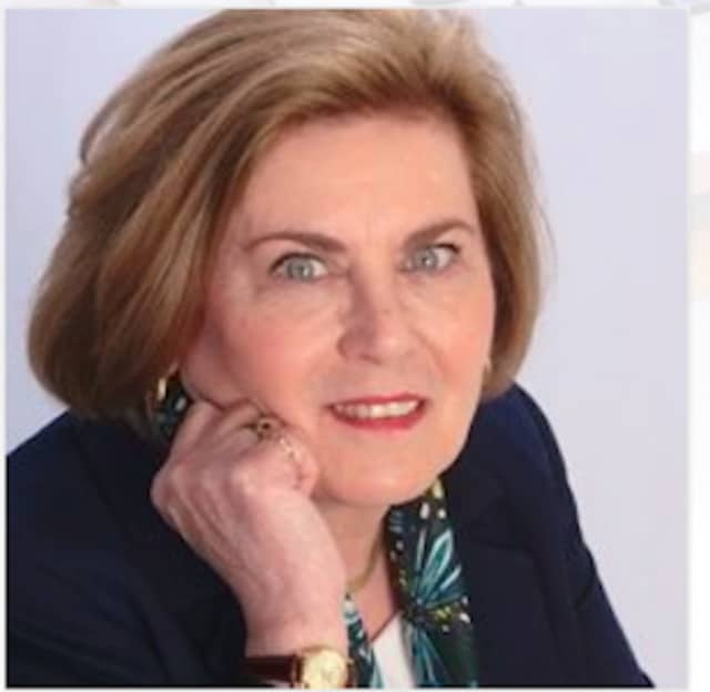 """Executive coach Loretta Donovan will be giving a talk at a Brookfield Chamber of Commerce program called """"Stop Holding Yourself Back From Success"""" on April 28."""
